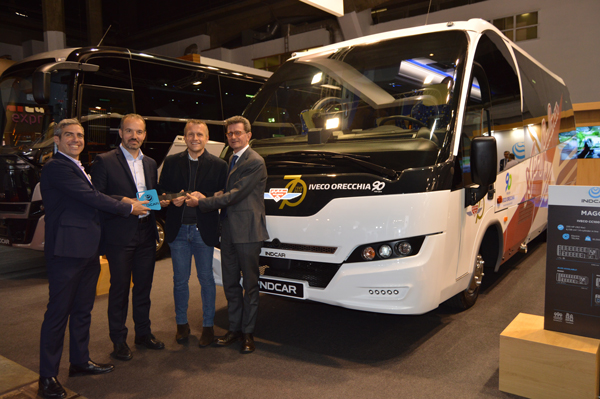 INDCAR DELIVERS A MAGO2 TO AIRPULLMAN DURING THE BUSWORLD EVENT