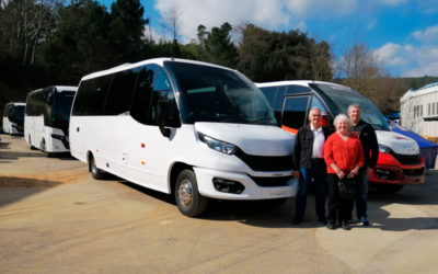 Moseley and Haines Mini Coaches visit Indcar's facilities