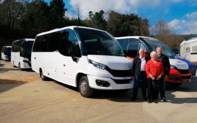 Moseley et Haines Mini Coaches visitent les installations d'Indcar