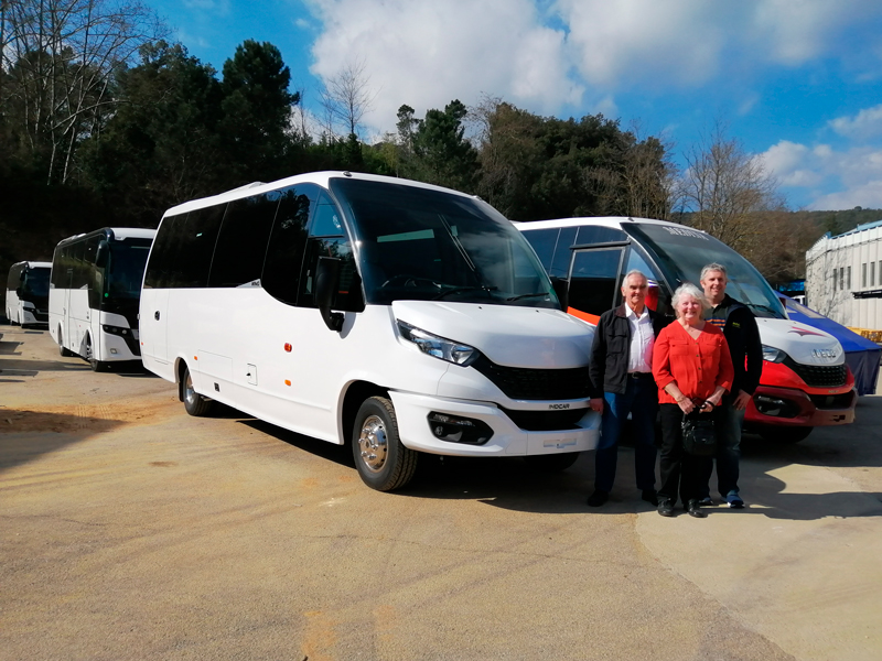 Moseley et Haines Mini Coaches visitent les installations d'Indcar