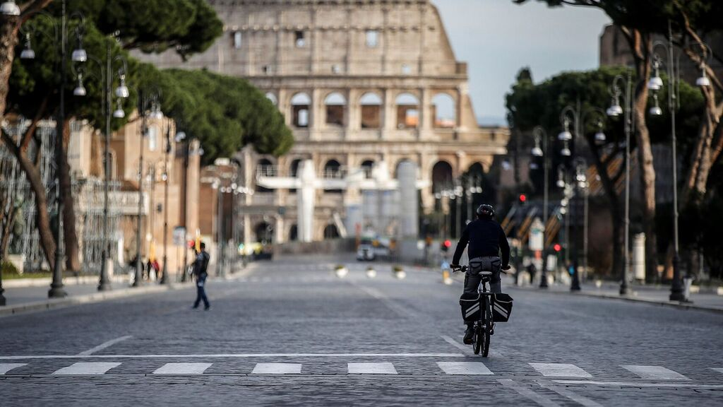Rome moves by minibus