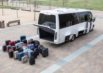 Indcar_Wing_minibus_turismo_capacidad_maletero